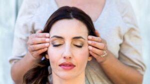 Care-sunt-beneficiile-Reiki-si-cum-functioneaza-terapia