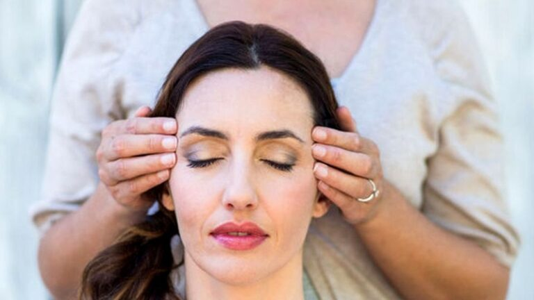 Care sunt beneficiile Reiki si cum functioneaza terapia?